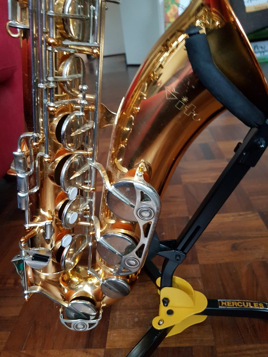 Vito alto sax serial numbers for sale